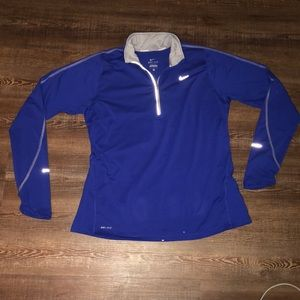 Nike dri fit pullover large